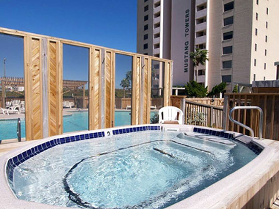 Hot tub at Mustang Towers